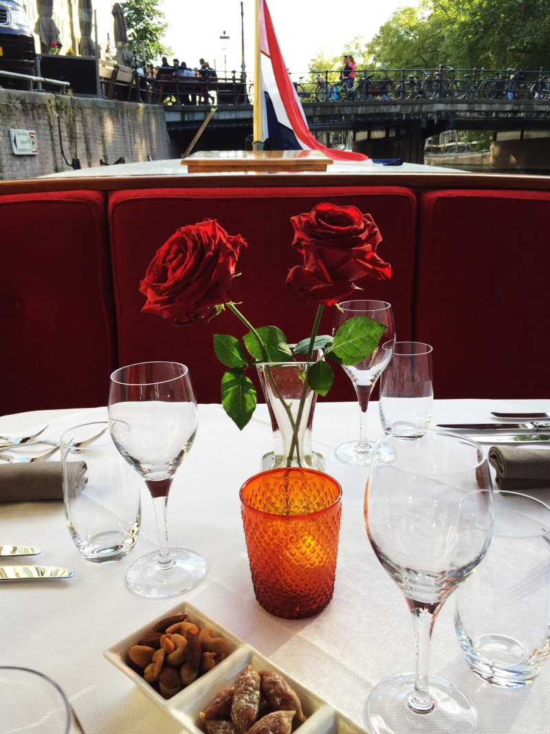 romantic dinner cruise boat amsterdam